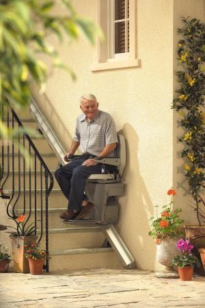 Aussenlift-speziallift in Vom Garten in das Haus schweben